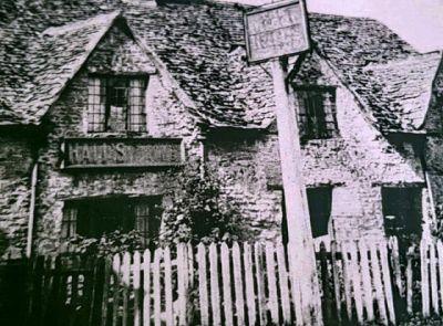 """""""The Old Talbot"""" nebo """"Talbot Farmhouse"""""""