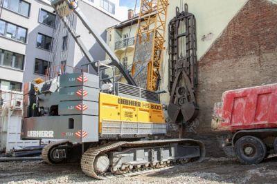 Lanové rýpadlo HS 8100.1 je největším předaným strojem Liebherr u nás